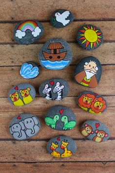 Story Stones Inspiration - Noah's Ark - Real And Quirky Pebble Painting, Pebble Art, Stone Painting, Painting Art, Story Stones, Rock Painting Ideas Easy, Rock Painting Designs, Stone Crafts, Rock Crafts