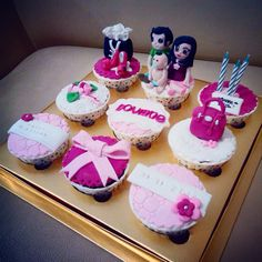 Family Cupcakes set of 9