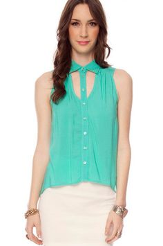 Tux Sleeveless Button Down Shirt $40 small so cute!