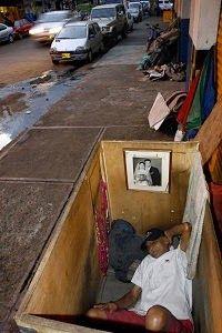 Desordenaré las lluvias.: Los sin techos y sin calor