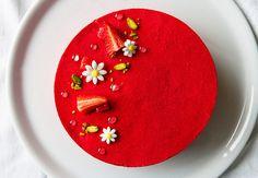 Fraisier inspiration Lignac  Ce magnifique fraisier de Cyril Lignac m'a tapé dans l'œil al...