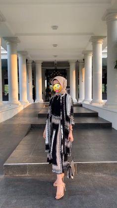 Hijab Style Dress, Modest Fashion Hijab, Modern Hijab Fashion, Street Hijab Fashion, Batik Fashion, Casual Hijab Outfit, Hijab Fashion Inspiration, Ootd Hijab, Muslim Fashion