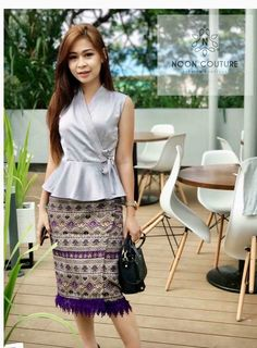 Wrap peplum top with short longyi Myanmar Traditional Dress, Traditional Dresses, Silk Dress, Peplum Dress, Burmese Girls, Model Kebaya, Origami Dress, Thai Dress, Fashion Outfits