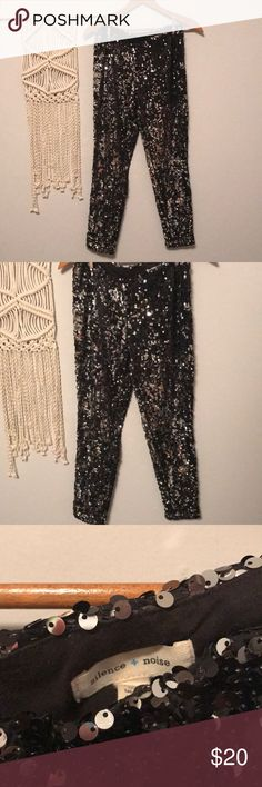 """Urban Outfitters Sequin Skinnies Urban Outfitters """"silence + noise"""" Skinnies are super sparkly! Wore these for a New Years party once and they were a huge hit! They zip up in the back! Haven't found another occasion to wear them! Urban Outfitters Pants Skinny"""