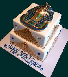 Tutankhamun Egyptian Cake   Top tier was vanilla mud cake, b…   Flickr