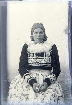Veselský kroj. Folklore, Winter Jackets, Photography, Dresses, Fashion, Winter Coats, Vestidos, Moda, Photograph