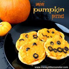 Easy Halloween Treats for Kids - pumpkin mini pizza Pumpkin Pizza, Cooking Pumpkin, Cooked Playdough, Homemade Playdough, Mini Pizzas, Halloween Treats For Kids, Easy Halloween, How To Cook Fish, How To Cook Steak