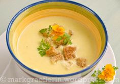 Cheeseburger Chowder, Hummus, Thai Red Curry, Soup, Ethnic Recipes, Boiled Corn, Stew, Kid Recipes, Vegetarian Recipes