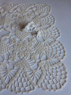 table runnerset of doiliestable cover image 2 Beau Crochet, Cotton Crochet, Lace Doilies, Crochet Doilies, Crochet Diagram, Crochet Patterns, Lace Table, Crochet Tablecloth, Gift Table