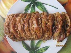 Mennyei Egyben sült karaj recept gazdagon recept! Egy igazi laktató étel. A szeletek közét ízlésünknek megfelelő finomságokkal tölthetjük, vagy amit a hűtőben épp találunk. Nem nagyon macerás, viszonylag gyorsan készen van. Mi nagyon szeretjük! :) Meat Recipes, Cooking Recipes, Hungarian Recipes, Hungarian Food, Weekday Meals, Food 52, Meatloaf, Poultry, Lamb