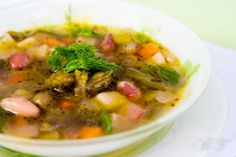Минестроне – это часть итальянской культуры и итальянской истории. У этого супа огромное количество рецептов, причем у каждой хозяйки свой «правильный»…
