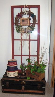 DIY Craft Projects using Old Vintage Windows Doors - Trash to Treasure - Architectural Salvage Primitive Windows, Primitive Homes, Primitive Crafts, Primitive Decorations, Primitive Country, Old Window Crafts, Old Window Decor, Window Ideas, Vintage Windows