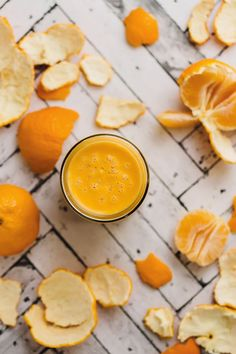 This Tangerine Tango Immunity Smoothie packs a ferocious punch of vitamin C that quenches soothes and protects. Vegan Smoothies, Fruit Smoothies, Smoothie Recipes, Breakfast Smoothies, Whole Food Recipes, Vegan Recipes, Citrus Recipes, Vegan Life, Milkshakes