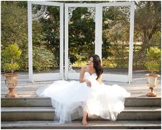 ©Degrees North Images   casual boho bridal portraits at out under the trees in angleton texas