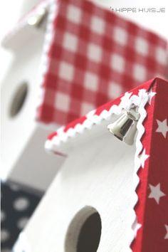 Vogelhuisjes I Love House, Red Cottage, Scandi Style, Scandinavian Christmas, Birdhouses, Hearth, Craft Ideas, Halloween, Holiday Decor