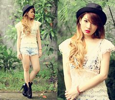 Easy crochet top effortlessly revamp your spring summer wardrobe. Take a walk on the wild side, get slightly exposed!