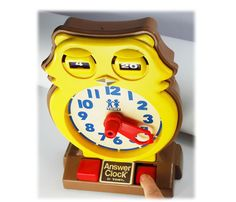 Vintage 70s Toy TOMY Teaching Owl Answer Clock, 1975