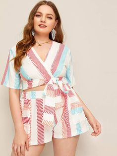 To find out about the Plus Chevron Print Wrap Blouse With Shorts at SHEIN, part of our latest Plus Size Co-Ords ready to shop online today! Boho, Cut Out Jeans, Chevron Fabric, Office Fashion Women, Wrap Blouse, Print Wrap, One Piece Swimwear, Printed Blouse, Shorts