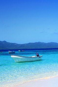 Boat Shore Tropical Island Waters iPhone 5 Wallpaper