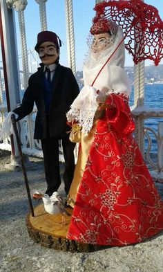 Clay Dolls, Diy And Crafts, Polymer Clay, Victorian, Clothes, Dresses, Fashion, Ethnic Dress, Suits