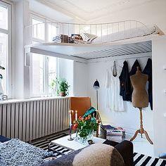 Una cama, un vestidor, un salón y un estudio...todo en uno