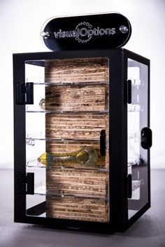 A lockable countertop display case is a great way to merchandise glass pipes, vape pens, grinder, and other accessories in an organized and secure way.