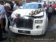 Rolls-Royce Phantom crashed in Russia