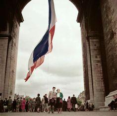 Magnum Photos -  Robert Capa © International Center of Photography FRANCE. Paris. 1952. Arc de Triomphe