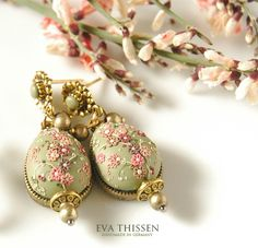 Hand Appliqued Polymer Clay Jewelry  created by:  Eva Thissen