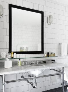 White Bathroom With Black Mirror & Subway decorating interior design design ideas bathroom design Bad Inspiration, Bathroom Inspiration, Interior Inspiration, Rustic Wall Mirrors, Round Wall Mirror, Black Mirror, Mirror Set, White Square Tiles, Black Square