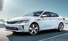 The 2016 Kia Optima SX Limited costs $35,790, tens of thousands of dollars less than many similarly outfitted traditional luxury cars.