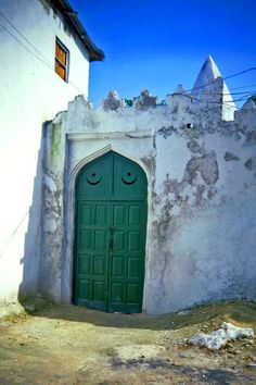 Door with Islamic detail - Mogadishu, Somalia