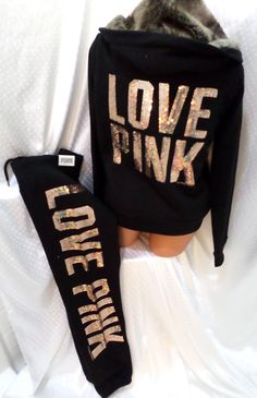 OMG I want this!! Victorias Secret PINK outfit!!
