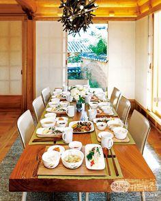 Korean food table featuring Corelle Koreanware Collection (코렐 코리안웨어)