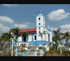 Iglesia de Usiacurí, Atlántico. El pesebre del Departamento Four Square, Mansions, House Styles, Nativity Sets, Barranquilla, Caribbean, Countries, Colombia, Fancy Houses