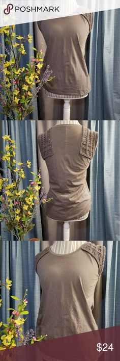 🌻🌺🌻BANANA REPUBLIC CROCHET SLEEVE SHIRT!! SIZE:XS but will fit small   BRAND:Banana republic    CONDITION:like new, no flaws    COLOR:gray   🌟POSH AMBASSADOR, BUY WITH CONFIDENCE!   🌟CHECK OUT MY OTHER ITEMS TO BUNDLE AND SAVE ON SHIPPING!   🌟OFFERS WELCOME!   🌟FAST SHIPPING! Banana Republic Tops