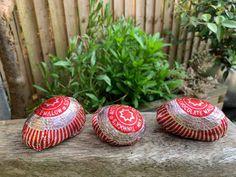 Super simple Tunnocks Caramel Wafer painted rocks, good enough to eat! Tunnocks Tea Cakes, Rock Box, Christmas Pudding, Rocky Road, Good Enough To Eat, Chocolate Cupcakes, Super Simple, Painted Rocks, Gingerbread