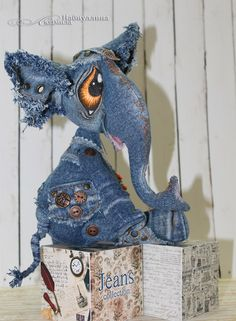 Sewing Toys, Sewing Crafts, Sewing Projects, Jean Crafts, Denim Crafts, Fabric Art, Fabric Crafts, Crazy Toys, Cat Doll