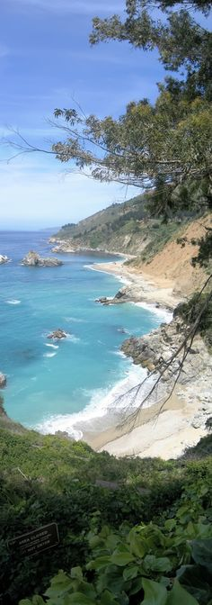 Big Sur has got to be one of the best coastlines in California and we are lucky to have a nice drive too along this coast. I would highly recommend this drive to everyone who visits California !  This panorama is a vertical panorama comprised of 3 photos. This is a very old panorama and shot using a simple Canon S50 which offered minimal manual settings nevertheless I love the composition, the colors and of course the size :-)
