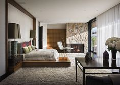 Brad Pitt's ex wife, Jennifer Aniston's Beverly Hills home has a Zen feel to it, and her master bedroom is no exception.