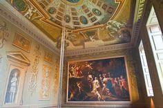 Hampton Court Palace - History, Travel, and accommodation information