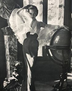 53 ideas for fashion photography vintage jacques fath Vogue Vintage, Vintage Mode, Vintage Glamour, Vintage Beauty, Retro Vintage, Retro Chic, Jacques Fath, Foto Fashion, 1950s Fashion