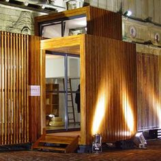 THE most comprehensive website dedicated to shipping container homes I have ever seen.  Remarkable.  residentialshippingcontainerprimer.com