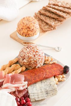 Host a Charcuterie Holiday Party this season for your friends, family, or even your co-workers! Enjoy an assortment of delicious foods, drinks, and Kaukauna Cheese! Finger Food Appetizers, Appetizers For Party, Appetizer Recipes, Finger Foods, Thanksgiving Recipes, Holiday Recipes, Party Dip Recipes, Christmas Brunch, Finger Food