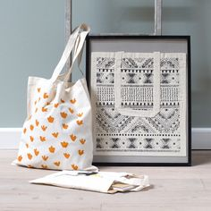 Clara is a firm believer of reusable shopping bags. Canvas shopping bags, available in three new designs for adults and children both. Price per item DKK 13,90 / SEK 18,98 / NOK 19,80 / EUR 1,95 / ISK 377 / GBP 1,88