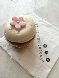 Last week Georgetown Cupcakes opened a new location in Atlanta. The buzz of its opening was loud and it was clear that people would be running to get a cupcake from this famed shop. I had never hea...