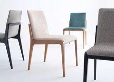 esstisch rund klein holztisch stuehle bunt farbe pendelleuchte essecke pinterest holztisch. Black Bedroom Furniture Sets. Home Design Ideas