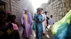 Katie Orlinsky does an amazing job in photographing the lives of women in Mali. Published on NYTimes Lens Blog.