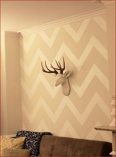 zigzag wall painting. Idea for our bedroom