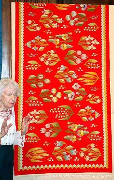 Christine Brown on Romanian Textiles: Part The Pieces Brought In…and a Few Contemporary Decorative Art, Weaving Textiles, Colour Pallete, Naive Art, Floral Illustrations, Woven Rug, Rugs On Carpet, Flower Art, Hand Embroidery